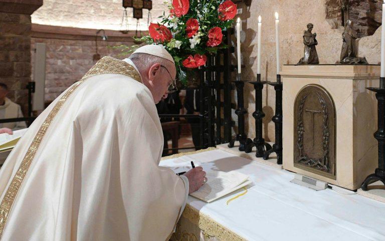 «Irmáns todos», título da nova Encíclica do Papa Francisco