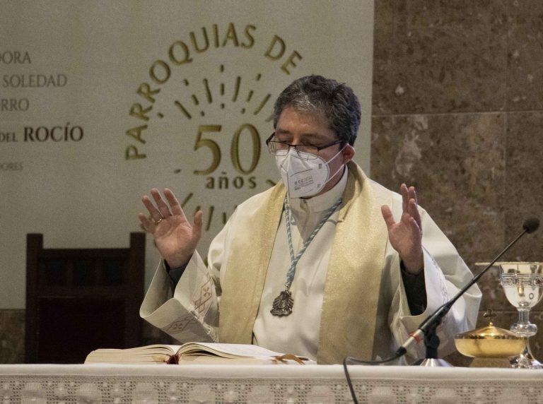 Santiago Vega, párroco de Nuestra Señora del Rocío desde 2014.