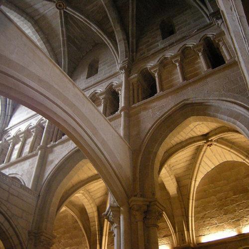 Interiod_de_la_catedral_de_Tuy